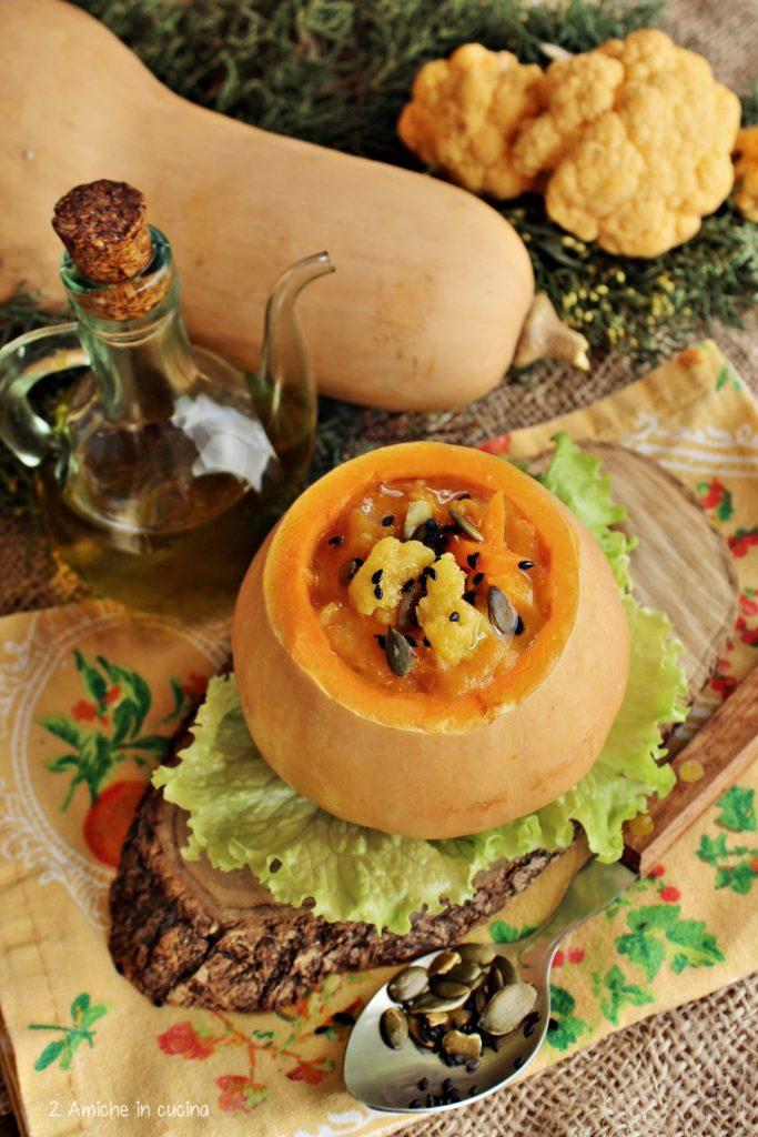 Zucca violina ripiena di crema di zucca e cavolfiore arancione