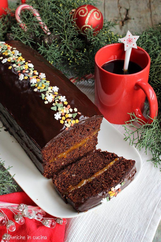 Piernik, al caffè d'orzo, dolce tipico polacco di Natale con spezie e confettura di prugne.