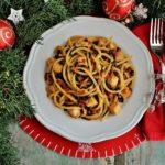 Spaghetto triangolare con pesce spada, lenticchie Beluga e pomodori secchi