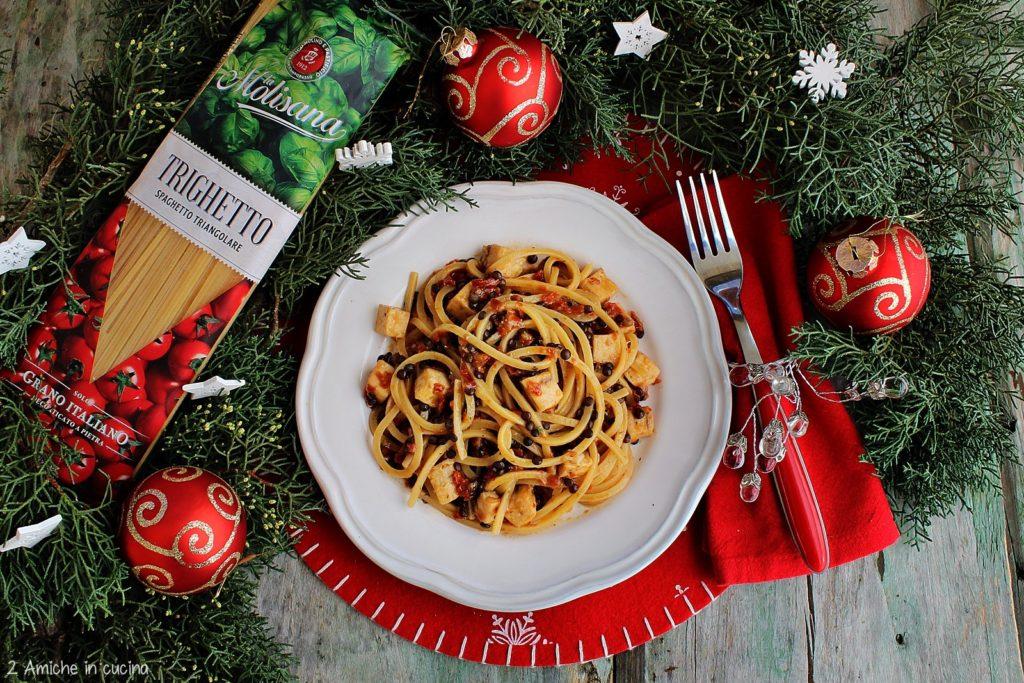 Trighetto, spaghetto triangolare con spada, pomodori secchi e lenticchie