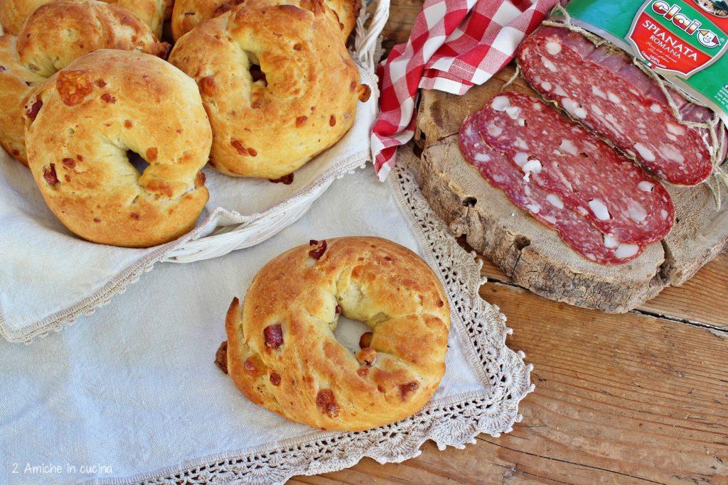 Ciambelle al formaggio con spianata romana CLAI