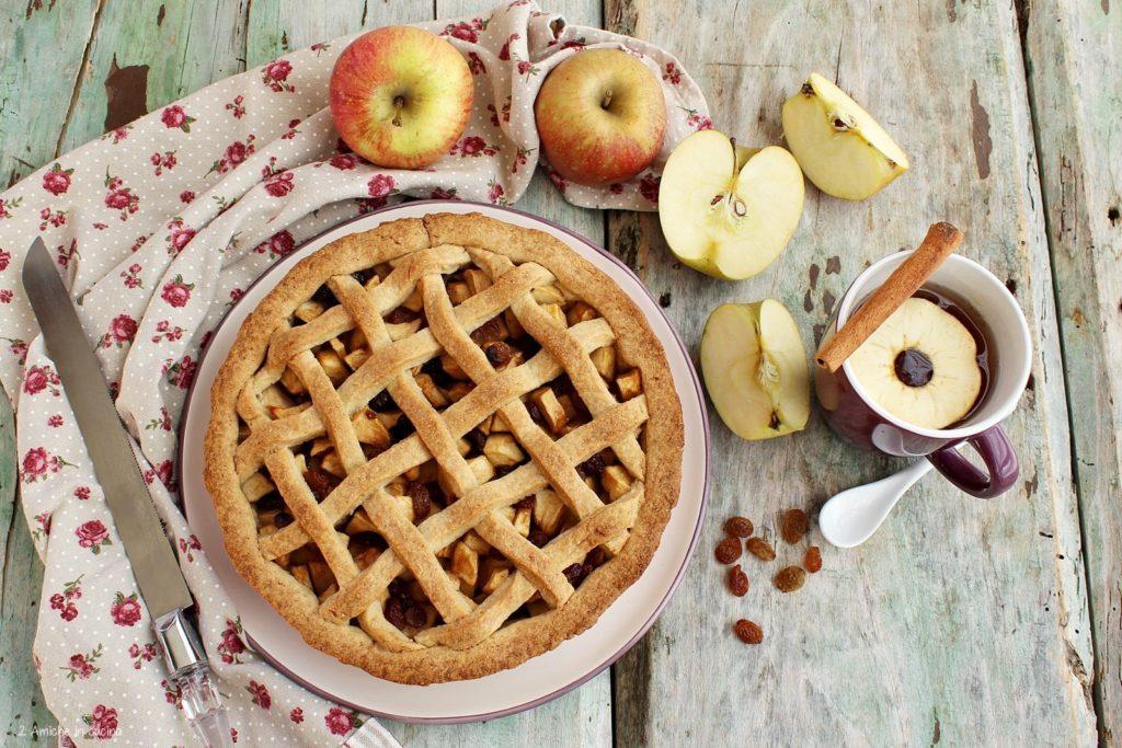 Torta con mele e cannella tipica dell'Olanda