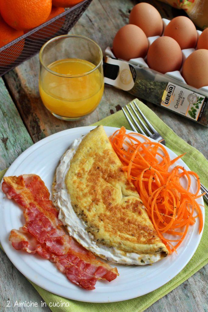 Omelette al cerfoglio con ricotta di capra e carote