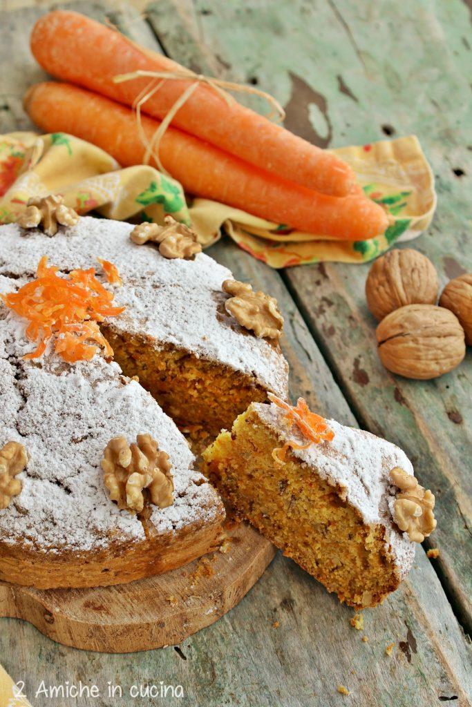 Carrot cake con noci e cannella