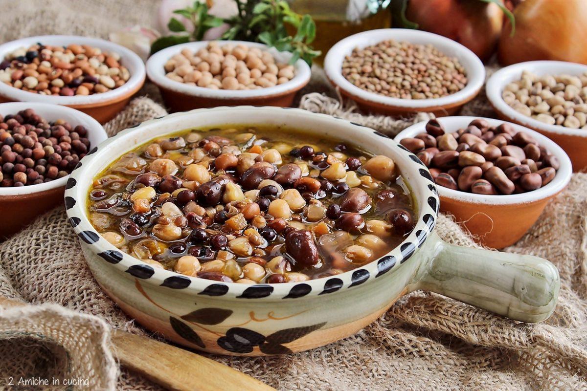 Zuppa con legumi tipici umbri per la giornata mondiale dei legumi