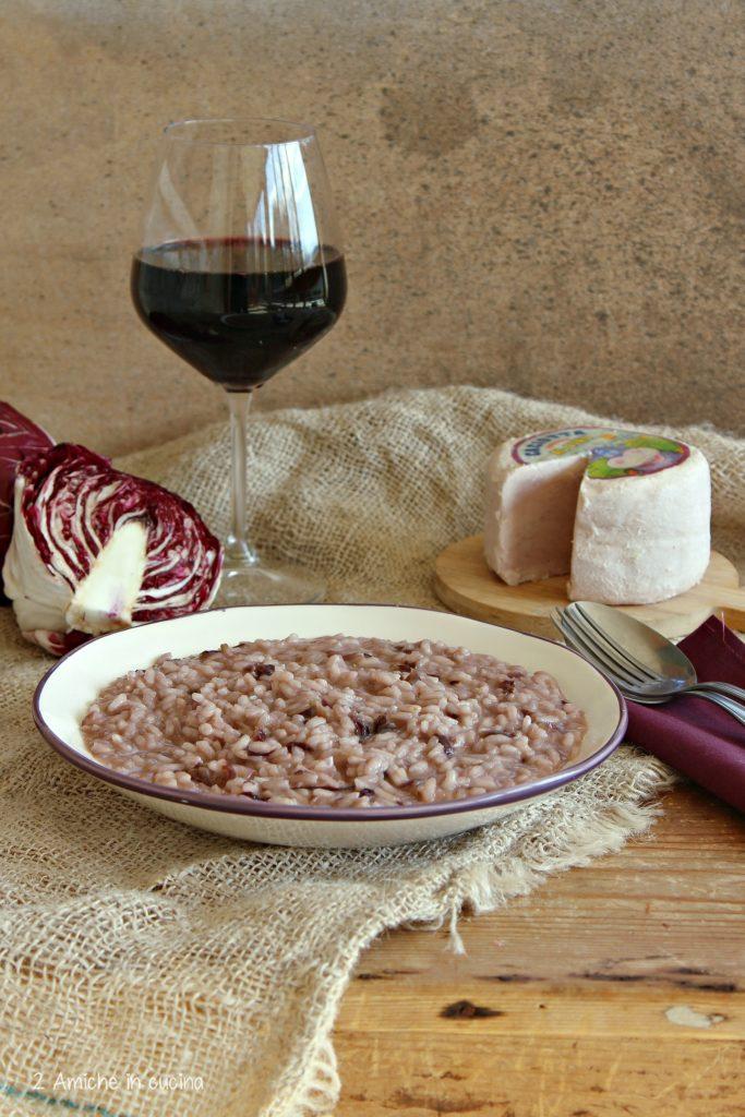 Risotto cremoso con radicchio e caciotta al vino rosso
