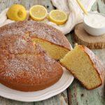 Torta soffice al limone e yogurt bianco
