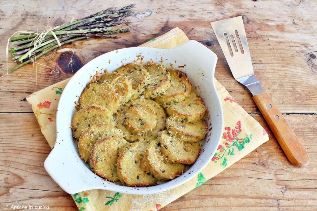 Gnocchi di polenta e asparagi gratinati in forno, ricetta del riciclo