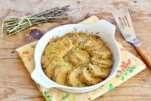 Gnocchi di polenta avanzata gratinati in forno con asparagi e parmigiano