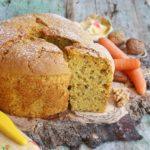 Chiffon cake al succo di carote con noci e cannella