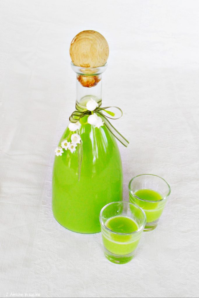 Liquore cremoso alla menta da bere ghiacciato