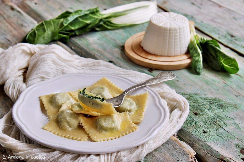 Tortelli alle erbette, ricetta per San Giovanni, tipica del parmense