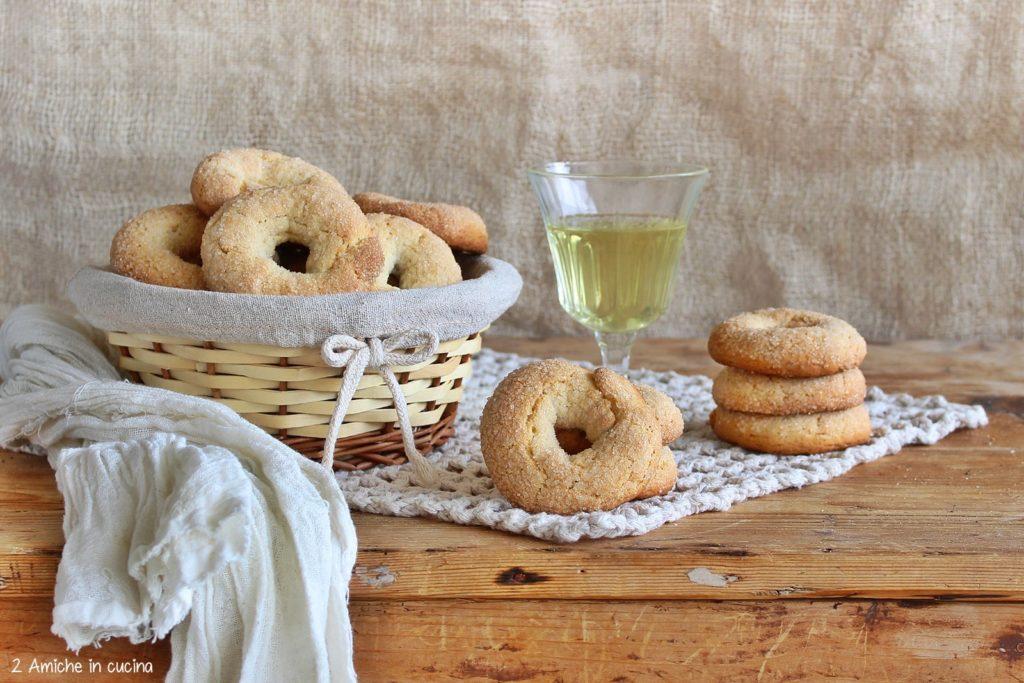 Ciambelline al vino e finocchio
