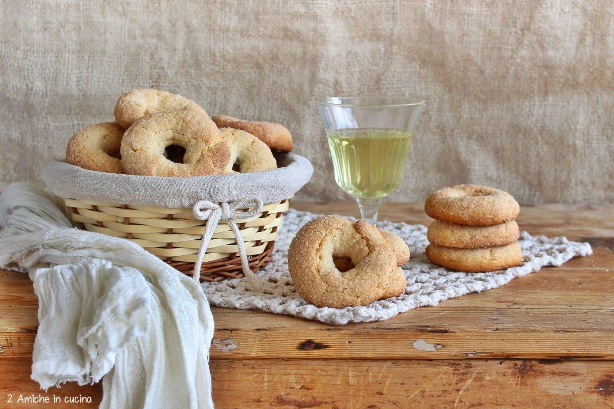 Ciambelline al vino bianco copn finocchio, ricetta senza lattosio