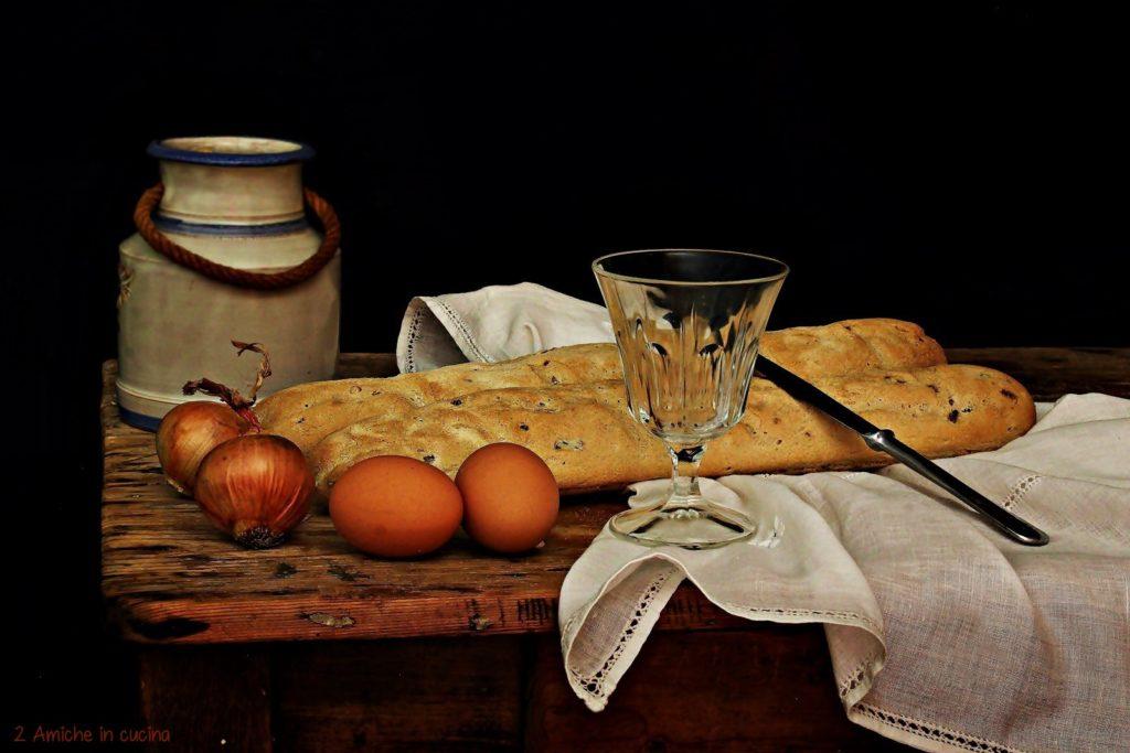 Pane ai cereali con cipolla e semi di senape