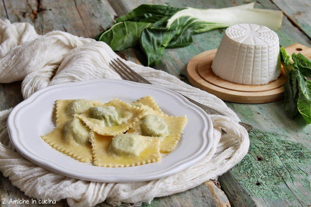 I tortelli alle erbette ricetta tipica di Parma per San GIovanni