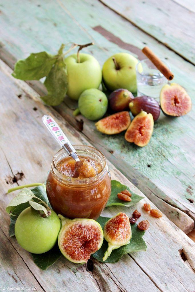 confettura fatta in casa con fichi, mele e cannella