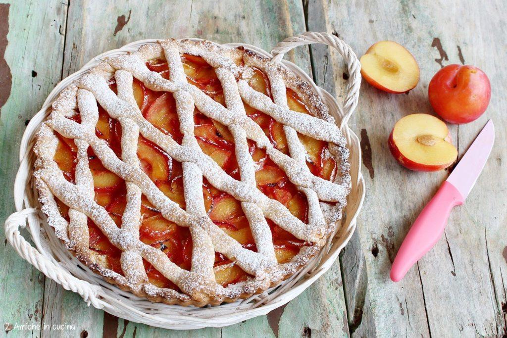 Crostata alle prugne – Dolce da colazione con frutta fresca