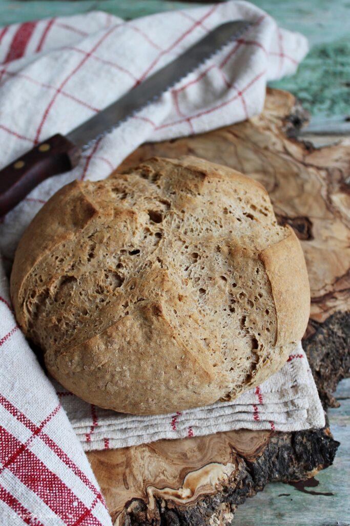 pane nero di segale tipico della Valle D'Aosta