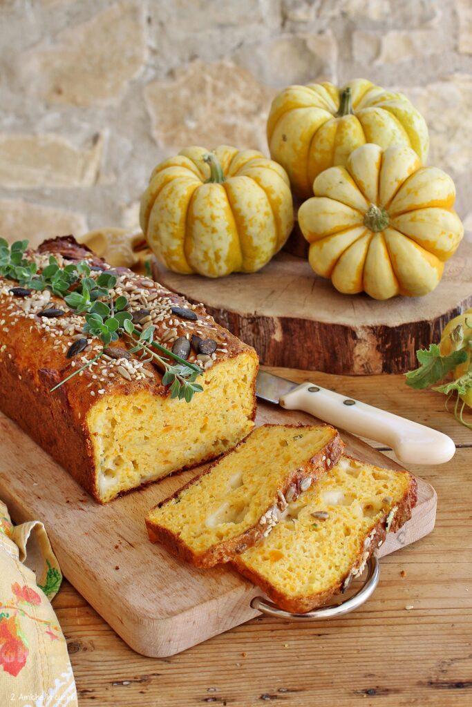Plumcake salato con zucca, formaggi erbe aromatiche e semi