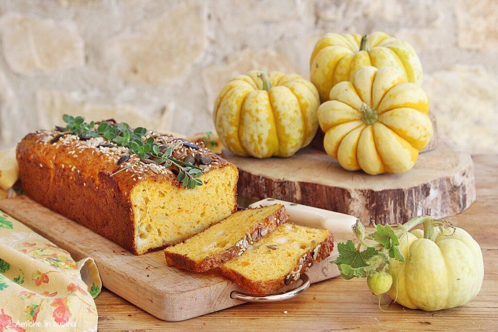 Plumcake salato alla zucca con formaggio e semi
