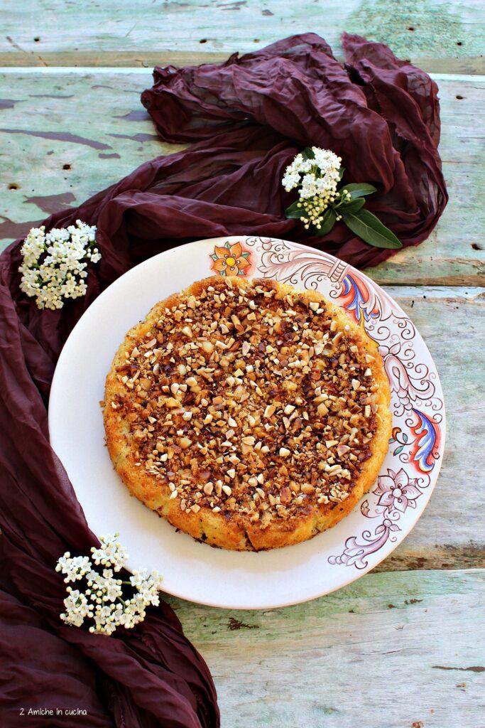 Torta con polenta avanzata e frutti di bosco