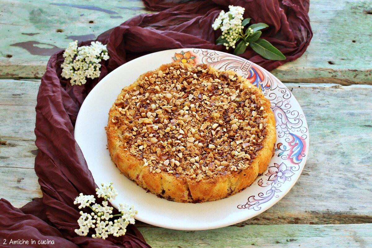 Torta di polenta senza glutine e senza lattosio con frutti di bosco