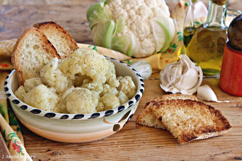 cavolfiore con pane raffermo e olio extra vergine di oliva umbro