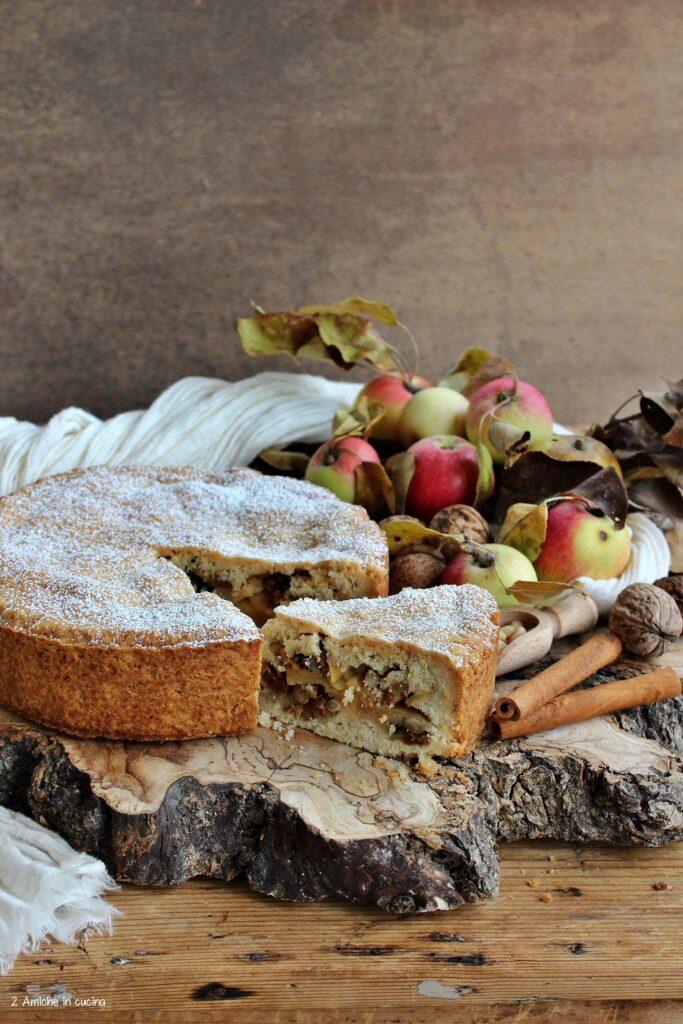 Pite, torta di mele friulana, frolla senza uova, ripiena di mele e frutta secca