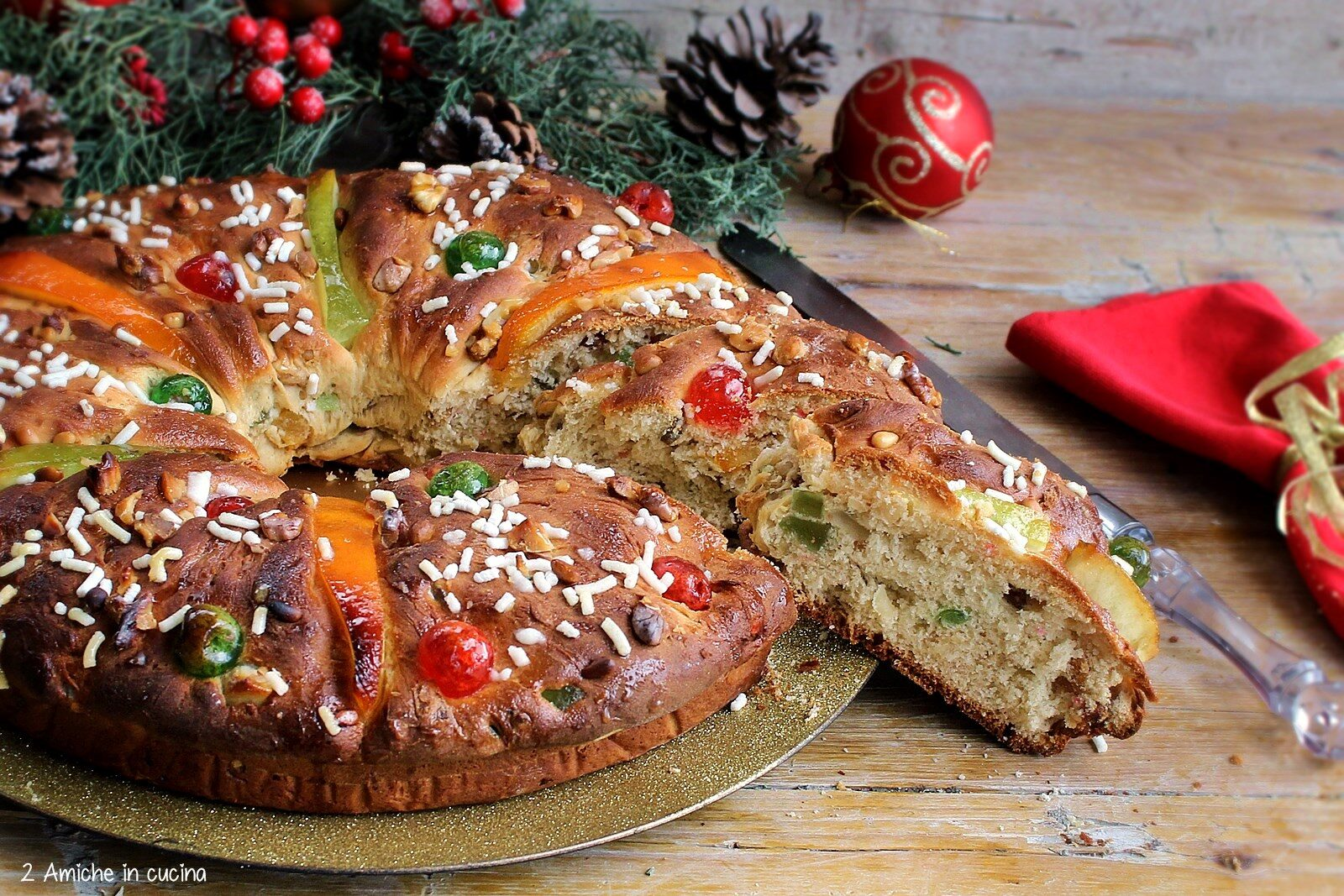 Torta del re, lievitato dolce con canditi, ricetta portoghese