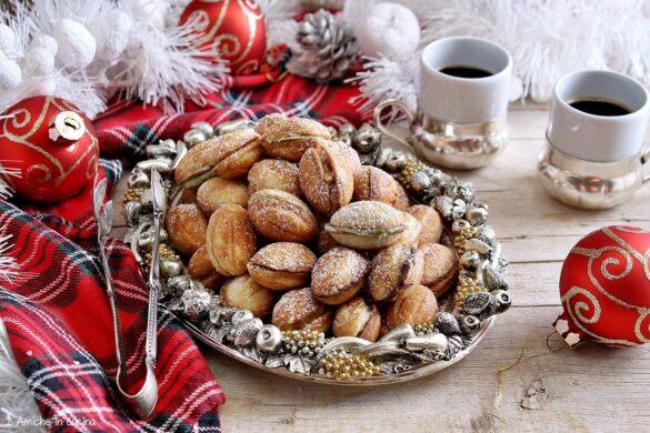 Noci dolci, oreshki, i biscotti di Natale russi