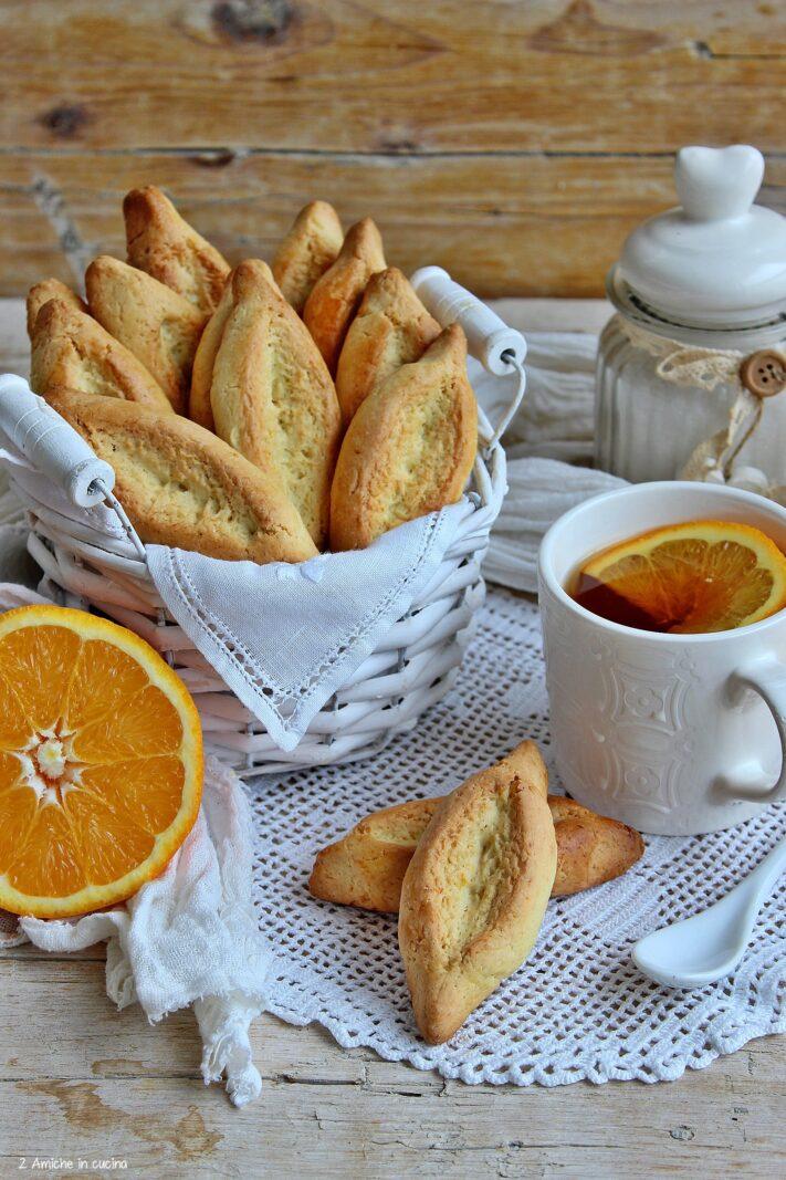 Biscotti provenzali da servire con una tazza di te