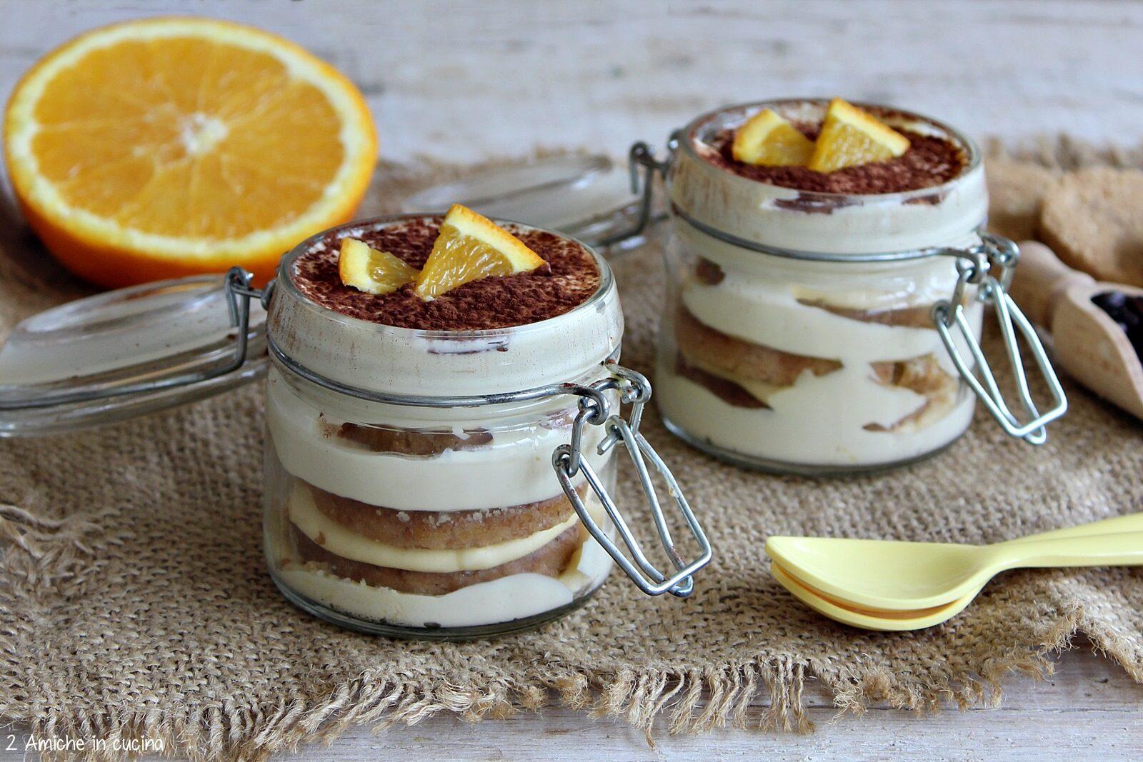 Tiramisù con biscotti integrali e crema al mascarpone e arancia