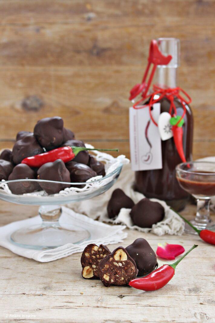 Cioccolatini alle nocciole con liquore al peperoncino