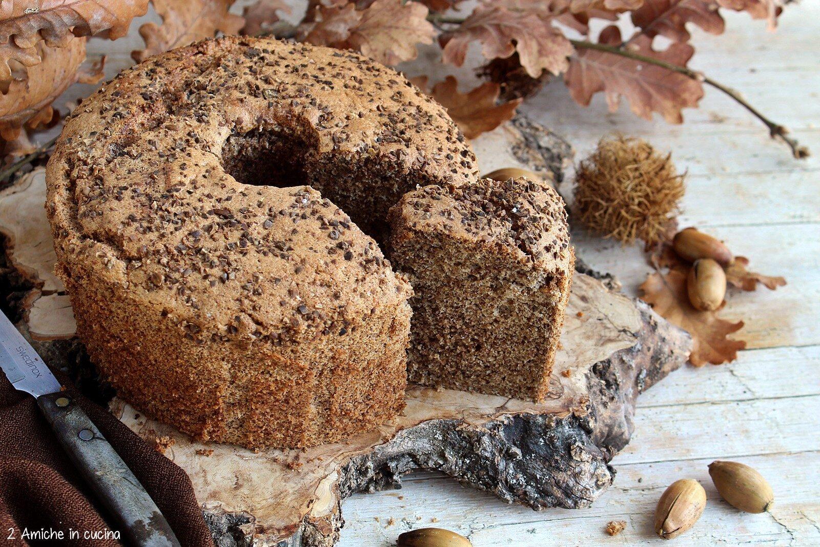 Chiffon cake con farina di ghiande fatta in casa