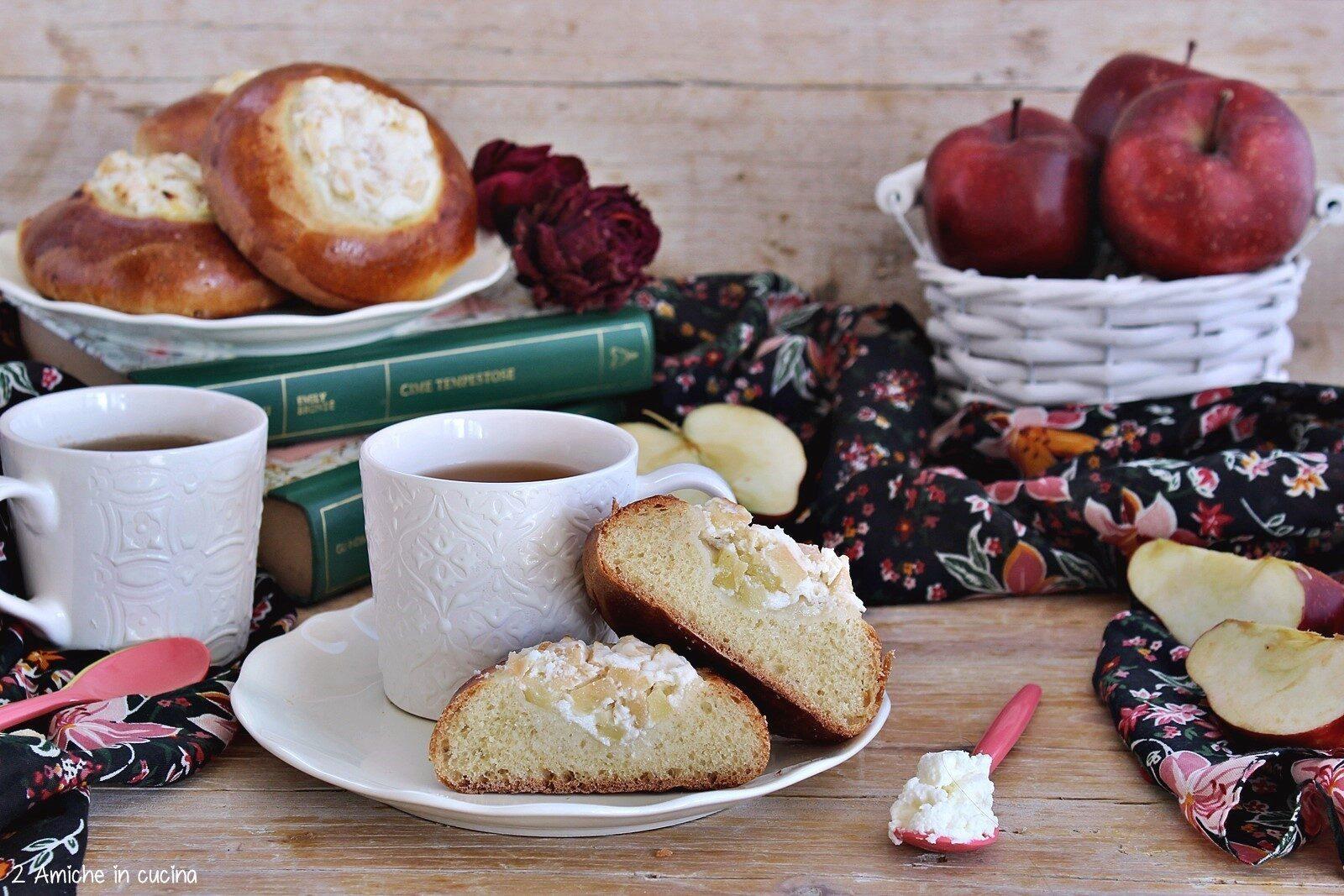 Focaccine russe Vatrushka da accompagnare a una tazza di tè
