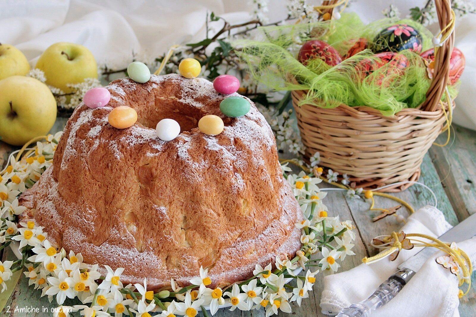 Torta di Pasqua polacca con le mele