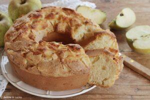 Ciambellone con le mele, ricetta della nonna facile e veloce