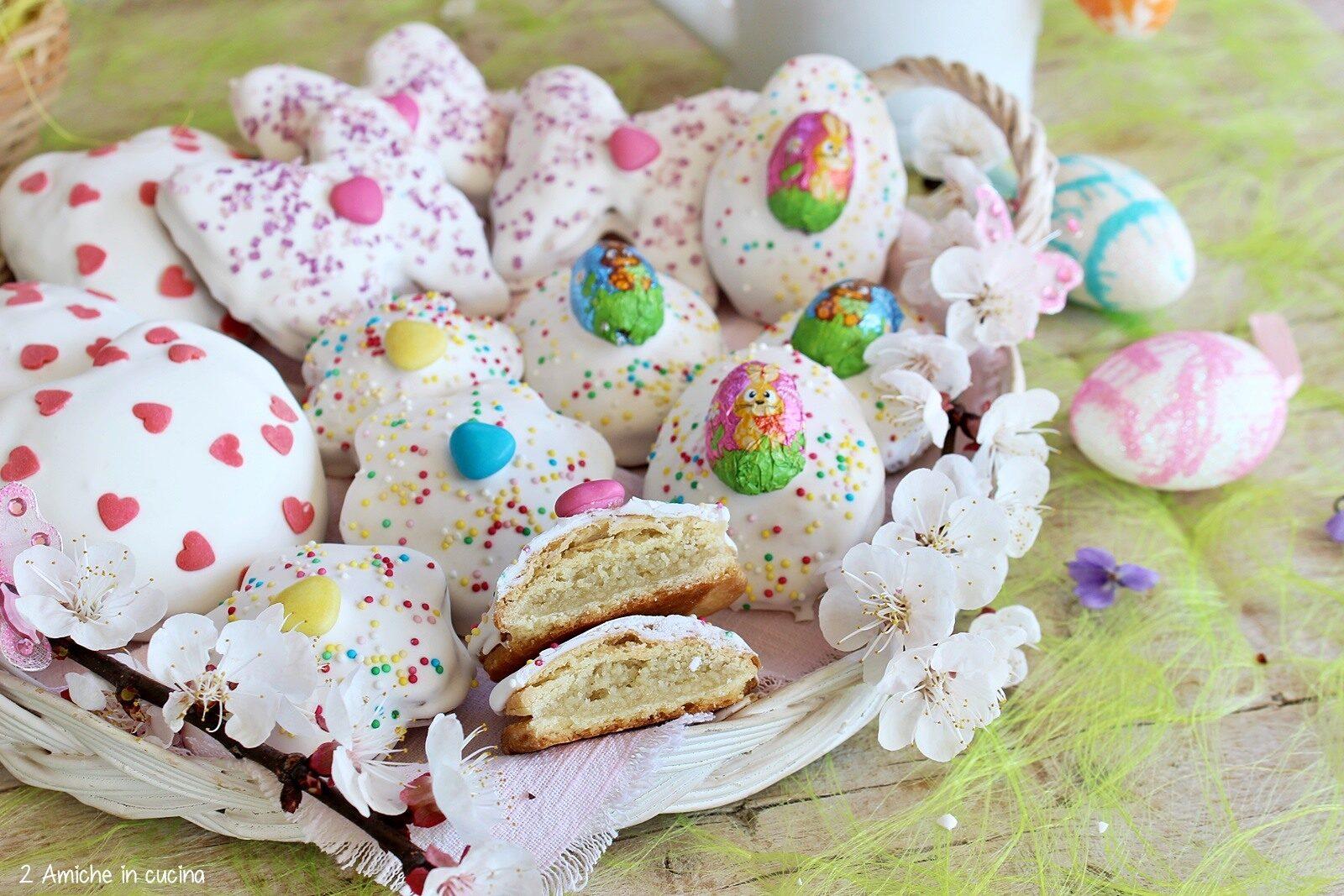 Interno di pasta di mandorle dei figolla, i biscotti maltesi di Pasqua