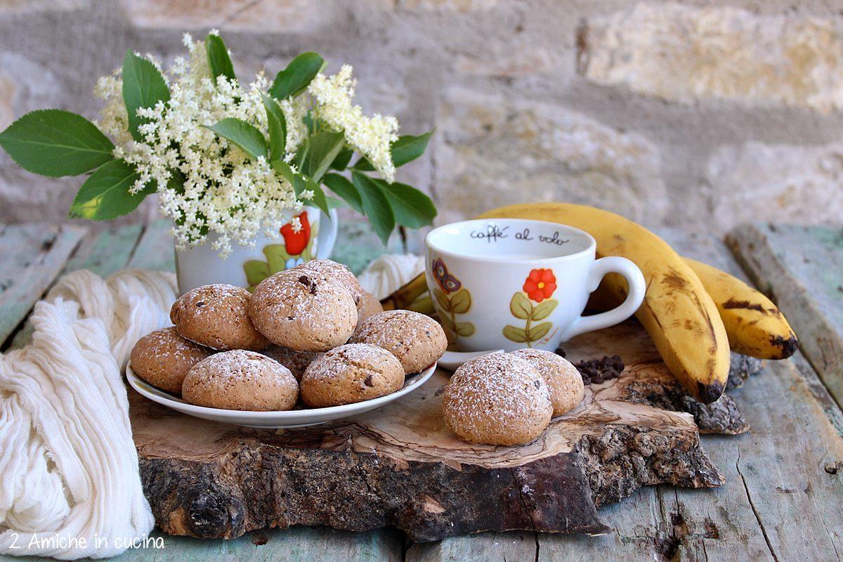 Biscotti vegan alla banana per la colazione