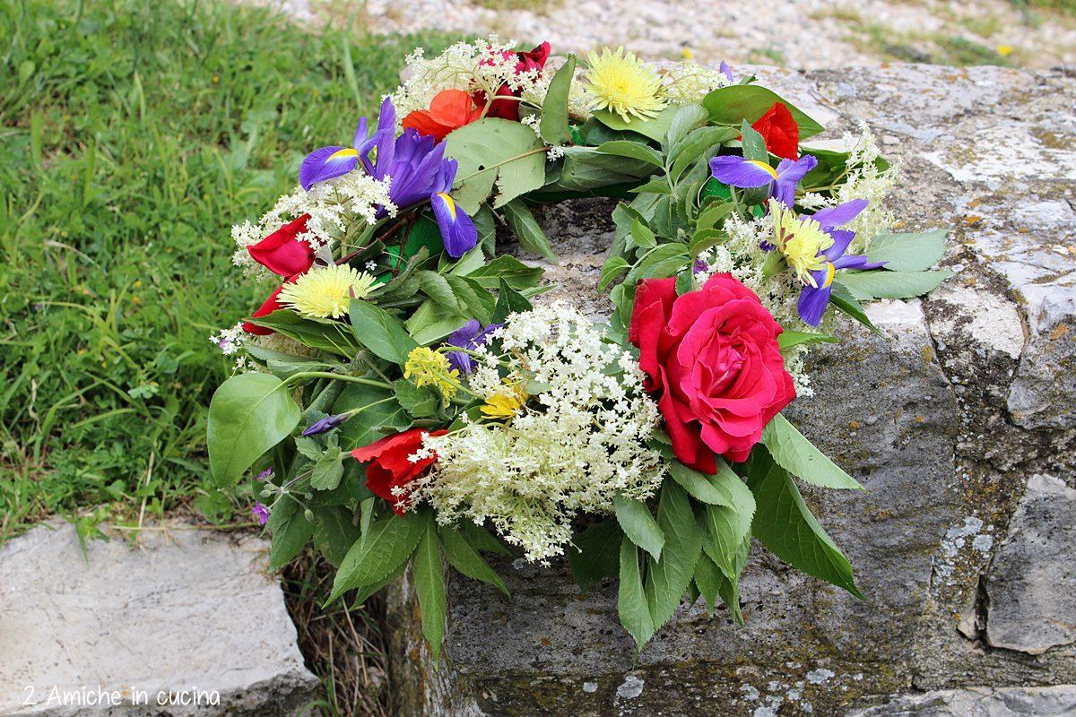 Corona di fiori per il solstizio d'estate