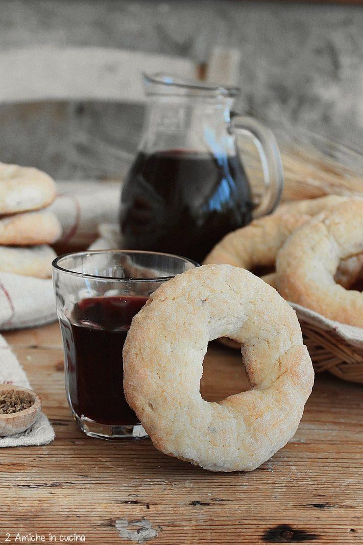 Ciambelline al vino tipiche dei Catselli Romani