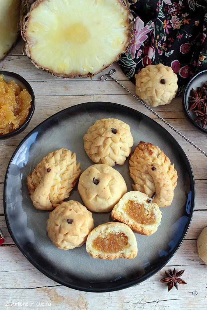 Sezione di biscotti kueh tart di Singapore
