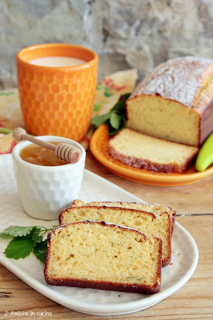 Plumcake soffice al miele con melissa