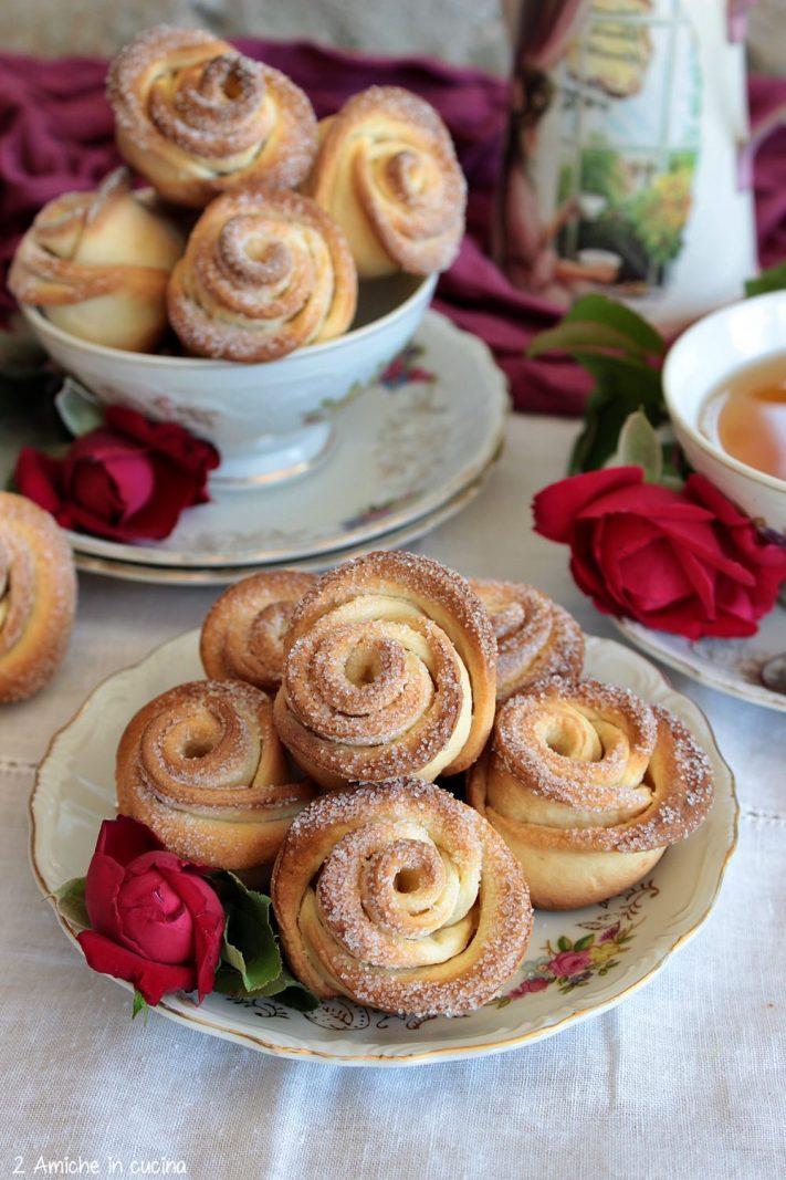 Rose di biscotto con tvorog da sostituire con la ricotta